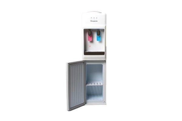 Khoang chứa đồ có 2 tầng giúp bạn để ly tách tiện lợi khi uống nước