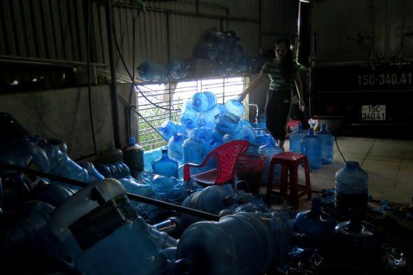 Cơ sở nước lọc Phúc Hà ở xã Trường Thành, huyện An Lão bị yêu cầu dừng hoạt động. Ảnh: Giang Chinh